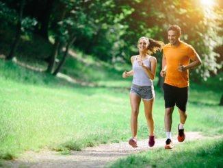 chạy bộ buổi sáng giảm cân giảm mỡ