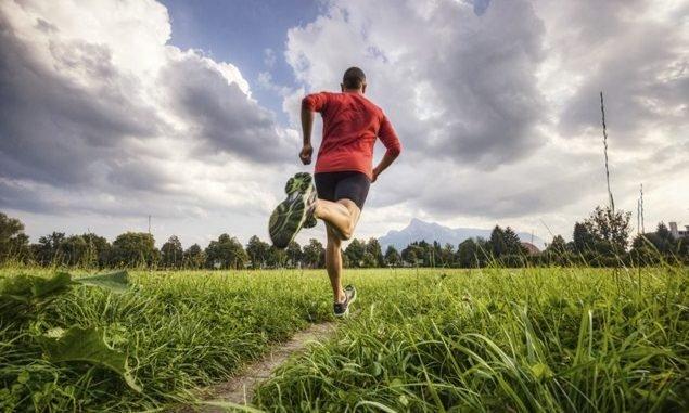 cách để dậy sớm tập chạy bộ buổi sáng