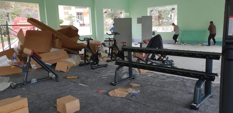 lắp ráp setup mở phòng tập gym phục vụ các chiến sỹ quan bộ đội trong doanh trại quân đội tỉnh quảng ninh