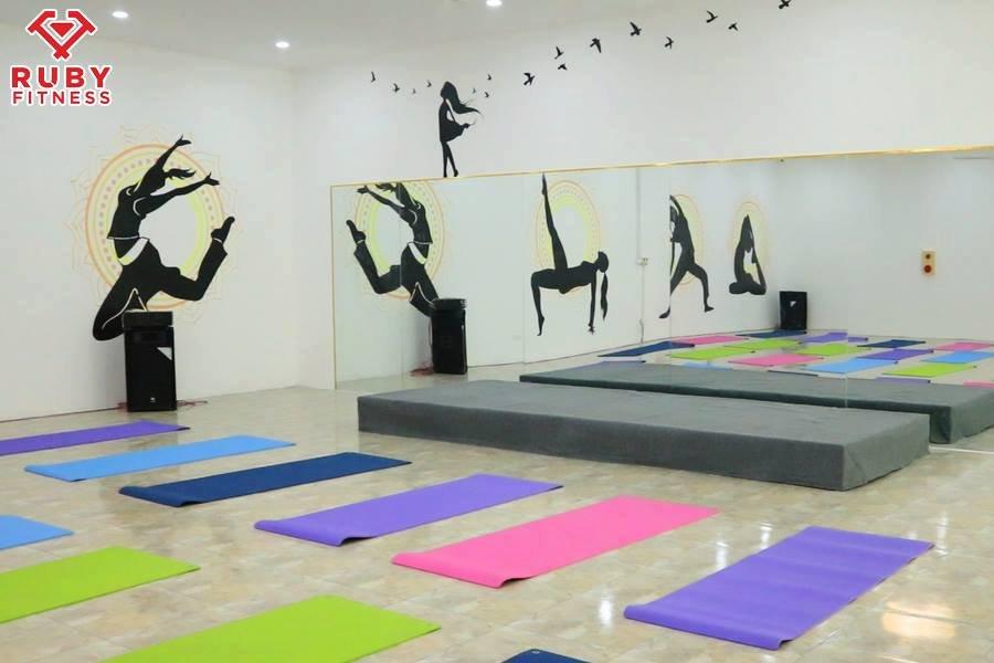 lớp yoga tại thành phố hải dương