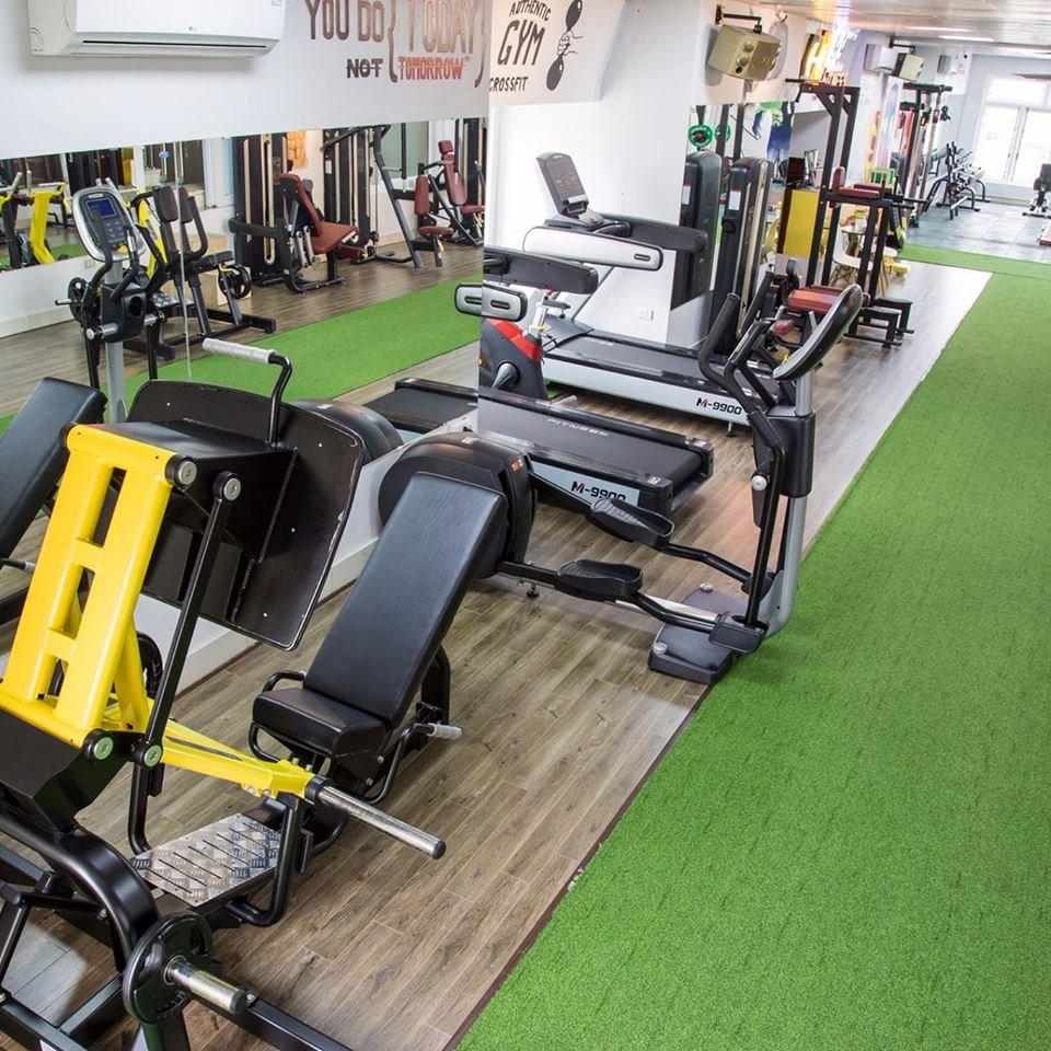 Lát cỏ nhân tạo phòng gym