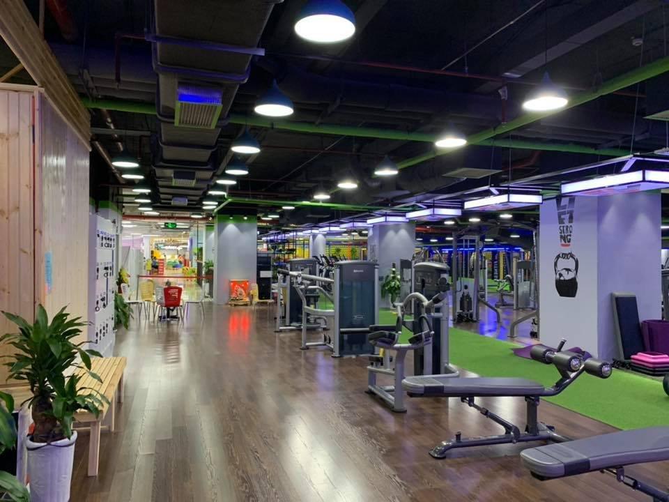 lát sàn gỗ trong phòng gym